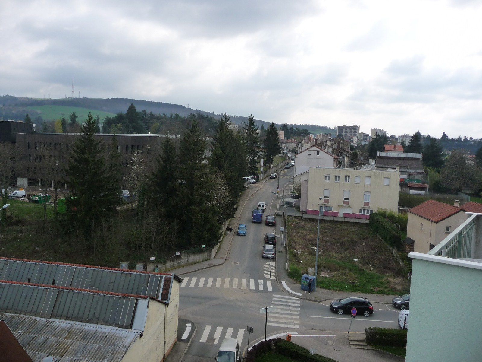Vente saint etienne f3 proximit bellevue lyc e du mont for Garage tardy saint etienne