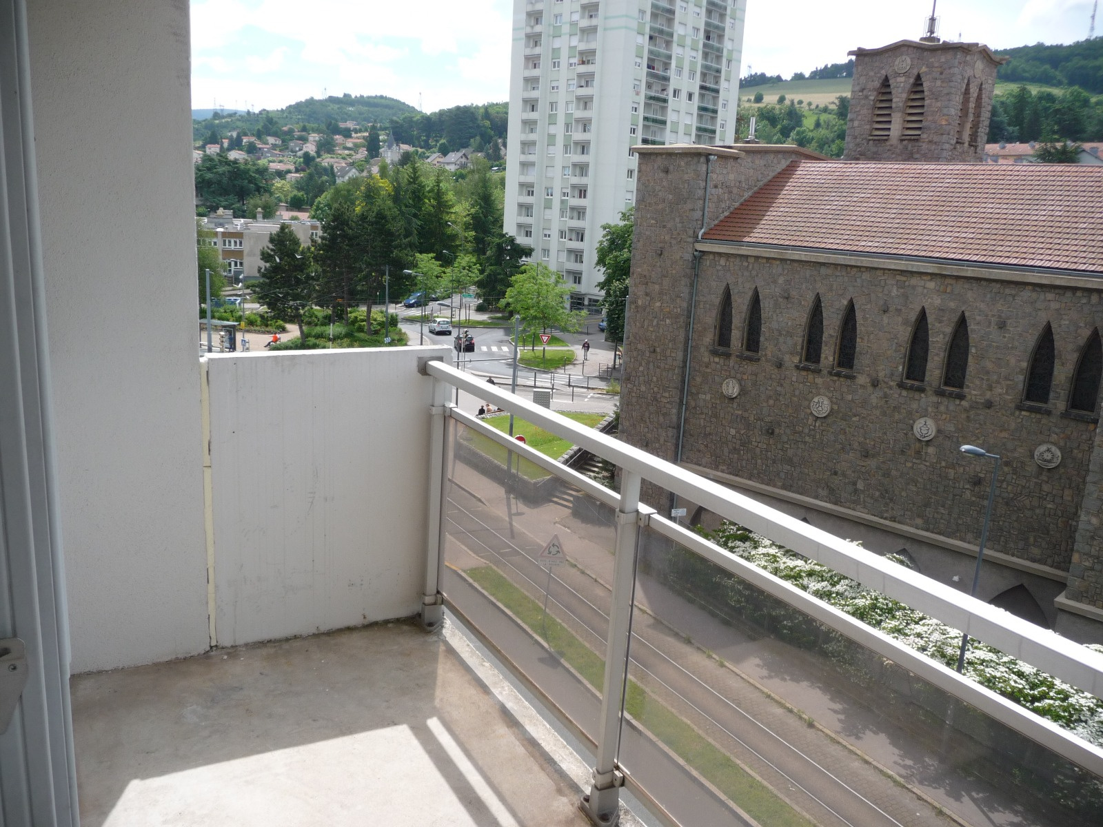 Vente f3 saint etienne for Garage tardy saint etienne