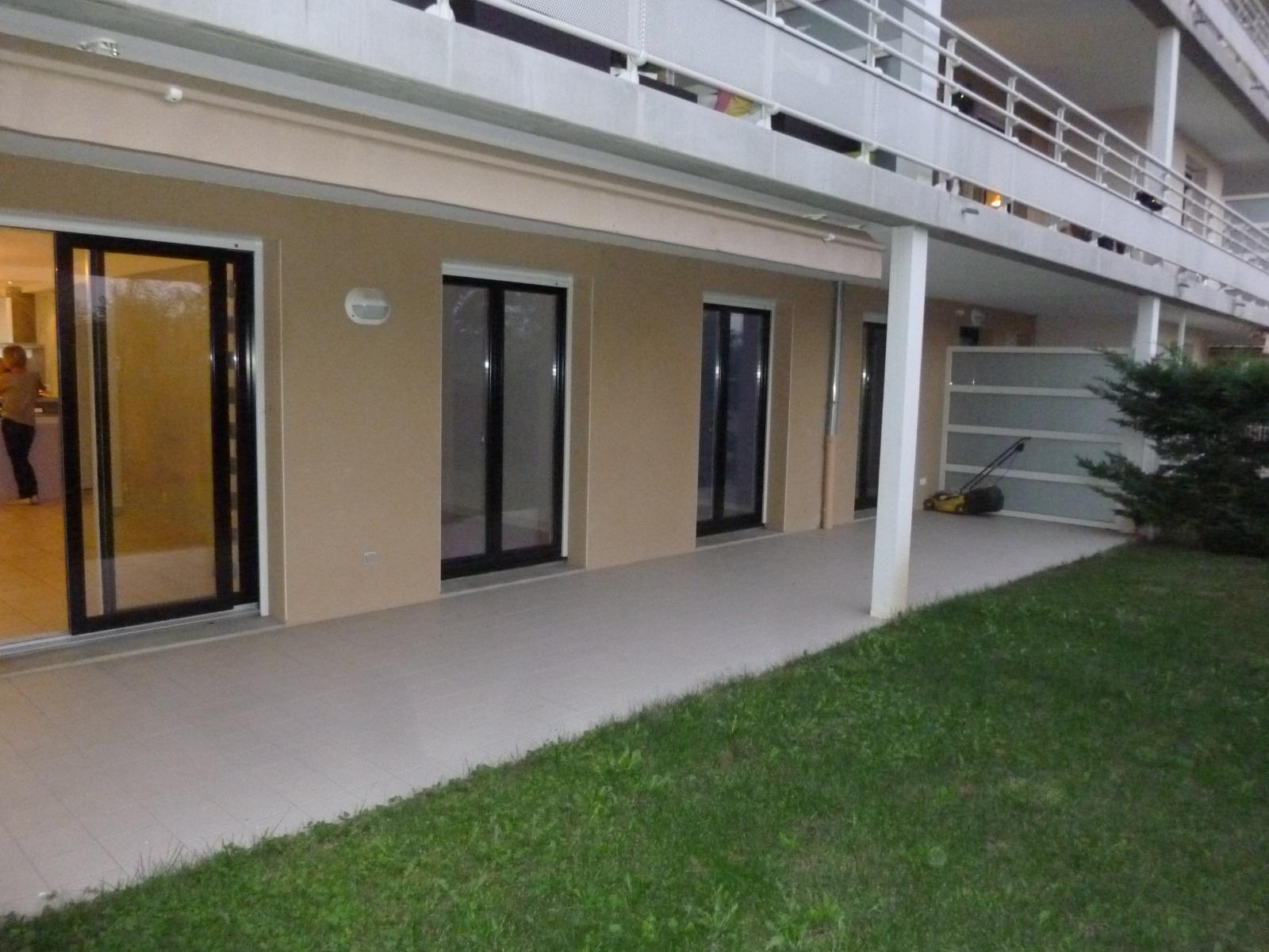 Location appartements et maisons saint etienne for Garage tardy saint etienne