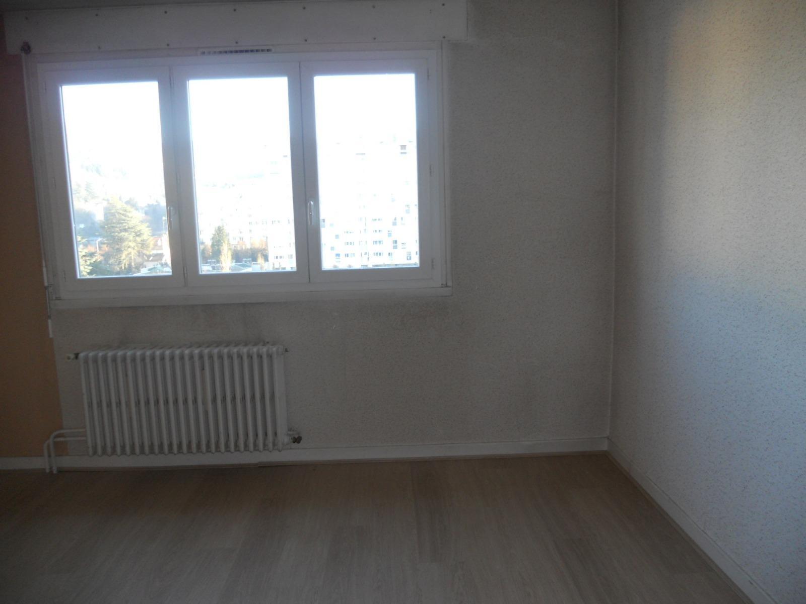 Location f3 11 rue testenoire lafayette for Garage tardy saint etienne